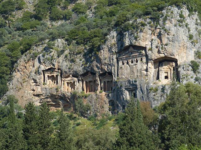 Hrobky v mestečku Myra
