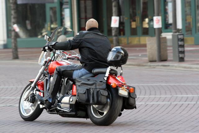 motorkár na motorke v zime