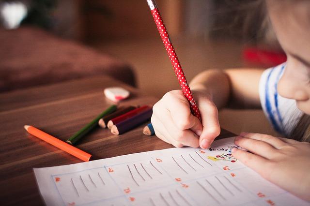 držanie ceruzky farbičky.jpg